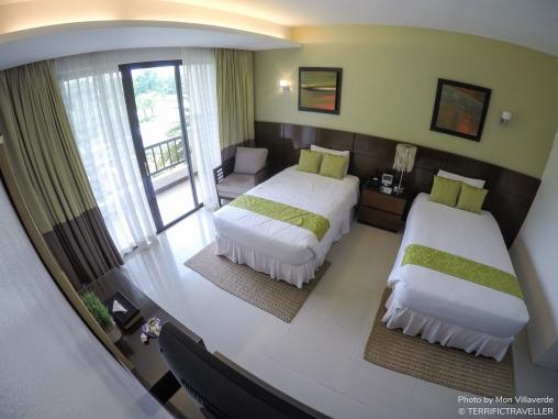 Huge room with balcony!